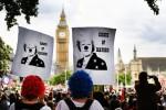 In 100mila sfilano a Londra per chiedere le dimissioni della May