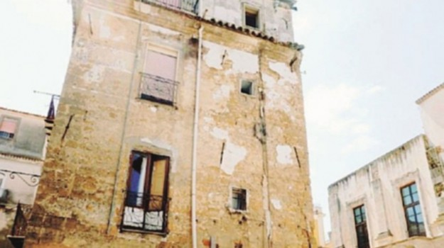 edificio da abbattere caltanissetta, Caltanissetta, Cronaca
