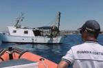 Pesca di frodo a Sampieri, multa da 4 mila euro