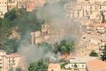 Incendio a Nicosia, le fiamme lambiscono il centro abitato