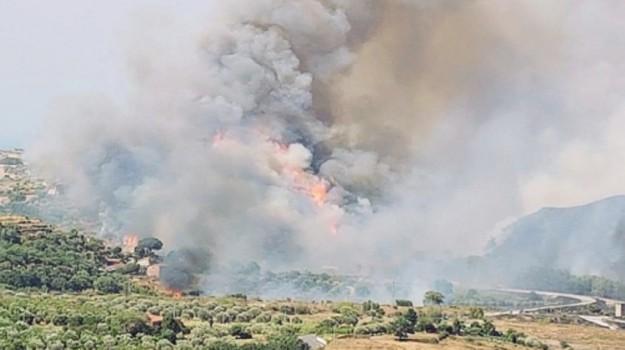 incendio patti, inquinamento patti, Messina, Cronaca