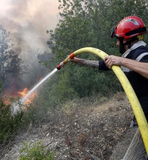 """Incendio a Messina, fermati tre minorenni: """"Abbiamo fatto una stupidaggine"""""""