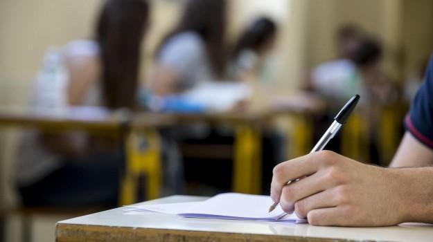 prova Invalsi, scuola, Sicilia, Cronaca