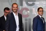 Bonucci in rossonero, entusiasmo a Casa Milan. Critiche dei tifosi juventini