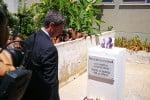 Il ministro Orlando ha deposto un mazzo di fiori sotto la foto di Falcone