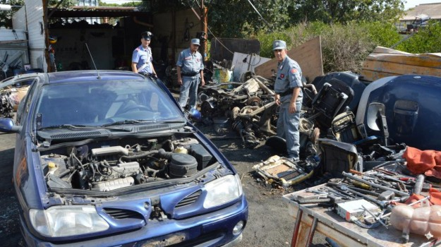 demolizioni auto, Palermo, Cronaca