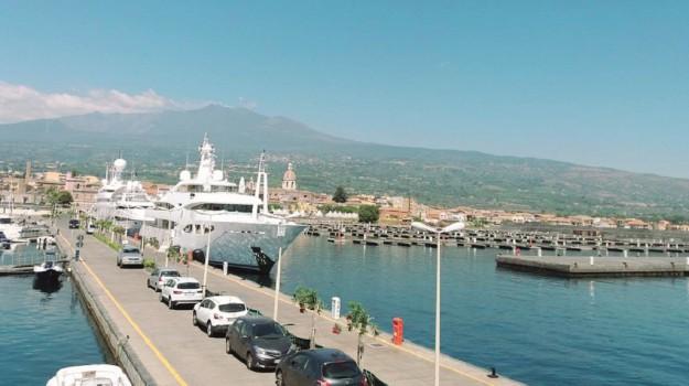 porti etna ionio, Catania, Economia