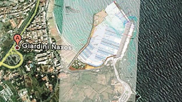 porto turistico giardini naxos, Messina, Economia