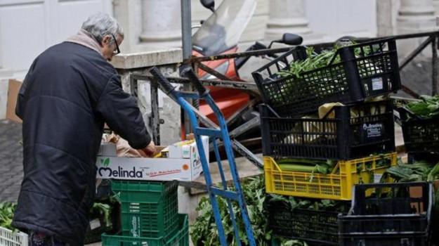 Italiani in povertà, Sicilia, Economia