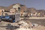 Borgate marinare nel degrado, le immagini dei rifiuti sul lungomare dell'Arenella