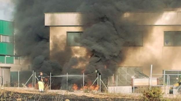 Incendio a Castelvetrano, Trapani, Cronaca
