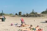 Rifiuti e posidonia, ripulite le spiagge tra Noto e Pachino
