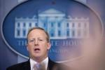 Altra tegola su Trump, si dimette anche il suo portavoce Spicer