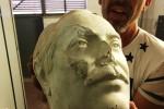 Statua di Falcone danneggiata allo Zen, indagini su videosorveglianza non attiva