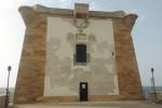 Si sgretola la facciata della Torre Ligny a Trapani