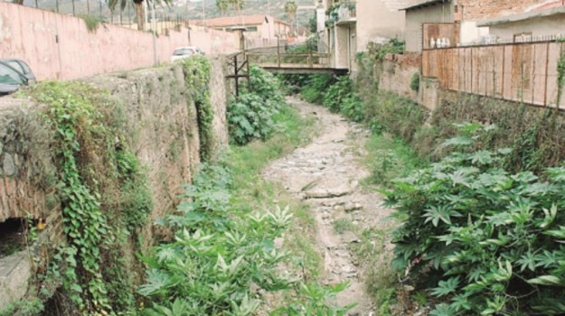 lavori torrente, Messina, Economia