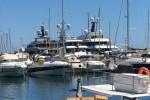 Extra lusso a bordo, ecco lo yacht di Dolce&Gabbana ancorato a Marina di Villa Igiea - Video