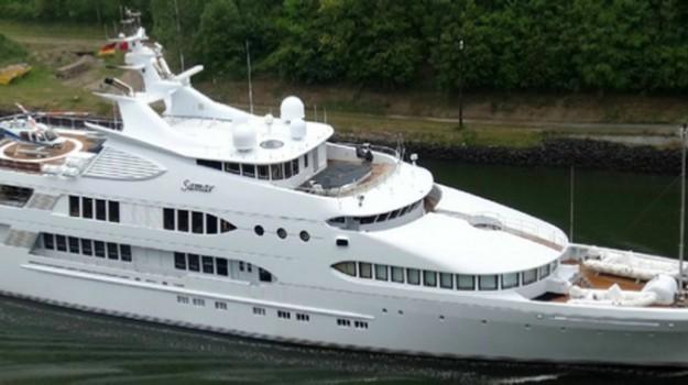 miliardario kuwait eolie, yacht samar, Messina, Società