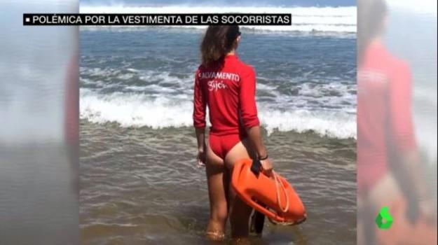 bagnine troppo sexy, pantaloni al posto dei bikini, Sicilia, Società