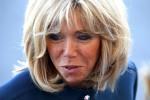 L'Eliseo affida un ruolo ufficiale a Brigitte, la moglie del presidente Macron