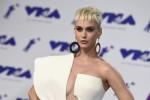 """Katy Perry cambia look e progetti: """"Sogno un musical a Broadway da protagonista"""""""