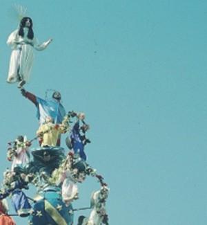 Messina festeggia la Madonna Assunta: vara in processione
