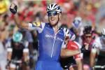 Vuelta, bis italiano: Trentin si impone allo sprint