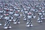In Cina la danza dei record, più di mille robot ballano sincronizzati: il video