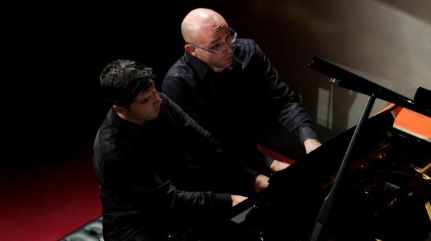 cortile dello steri, pianisti in concerto, Marco Schiavo, Sergio Marchegiani, Palermo, Cultura