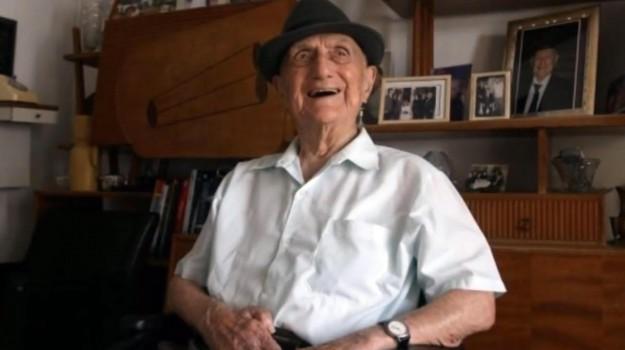 guinness dei primati, l'uomo più vecchio del mondo, olocausto, sopravvissuto Shoah, Yisrael Kristal, Sicilia, Mondo