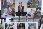 Principessa Diana, il tributo della gente a Kensigton Palace