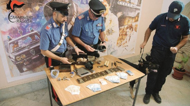 arresti spaccio, Ragusa, Cronaca