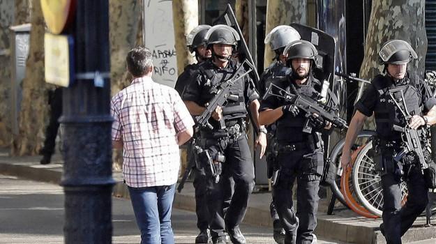 attentato barcellona, Sicilia, Mondo