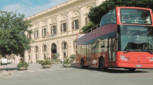 bus turistico, bus turistico trapani, Trapani, Economia