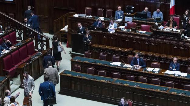 vitalizi scontro camera, Sicilia, Politica