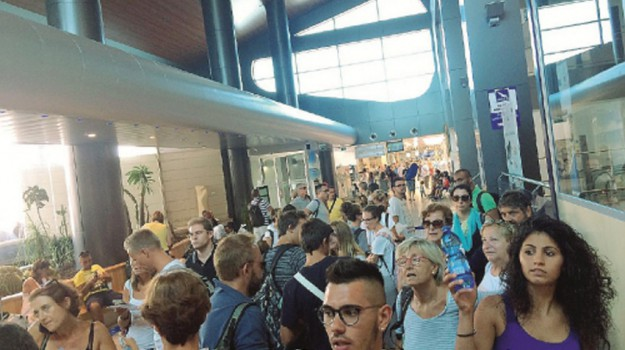 aeroporto comiso, blue air, sac catania, Siracusa, Economia