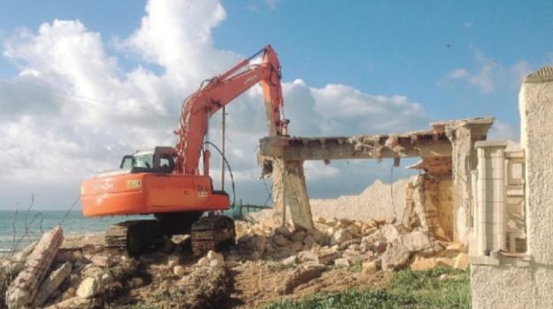 demolizioni triscina, Trapani, Cronaca