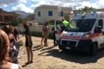 Alla Ciammarita donna salva un bimbo ma rischia di annegare - Le immagini dei soccorsi in diretta