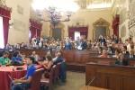 Finanziamenti per Reset e Amat, il consiglio comunale approva il bilancio