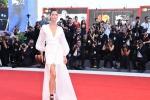 Eleganza low cost, Ovs debutta sul red carpet a Venezia con Bianca Balti