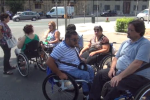 Disabili gravi senza assistenza, la protesta dei medullolesi - Video