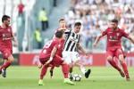 La Juventus vince ma il Cagliari sciupa il primo rigore con la moviola in campo