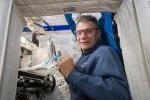 AstroPaolo in piena attività, lavora agli esperimenti