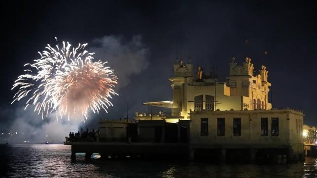Ferragosto, giochi d'artificio, Catania, Messina, Economia