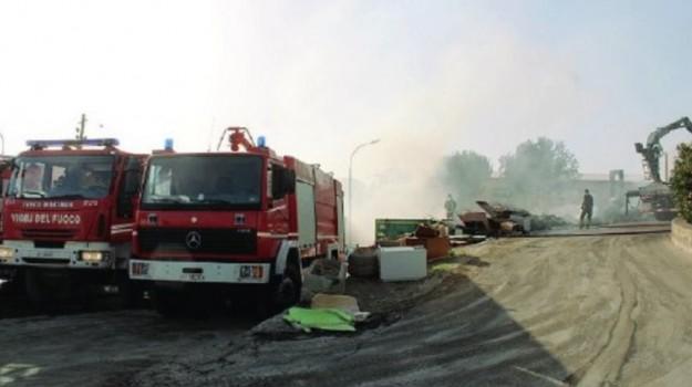incendio canicattì, incendio centro rifiuti, Agrigento, Cronaca