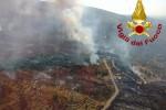 Fiamme a Randazzo, in fumo diversi ettari di bosco