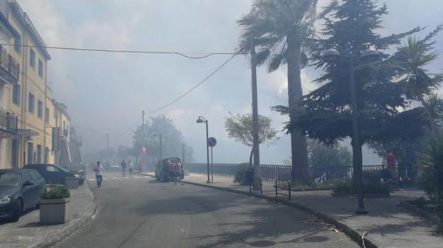 incendio san salvatore di fitalia, Messina, Cronaca