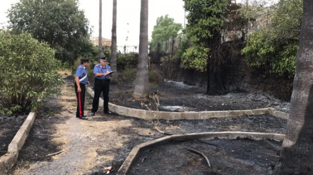 incendio villa floridia, Siracusa, Cronaca