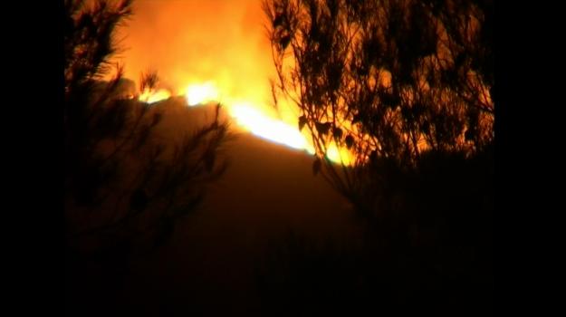incendio cefalù, incendio montagna longa, Palermo, Cronaca
