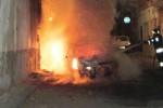Notte di fuoco a Gela, incendiate due auto